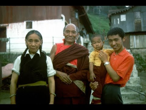 "Tràiler del documental ""54 Gandhi Road"""